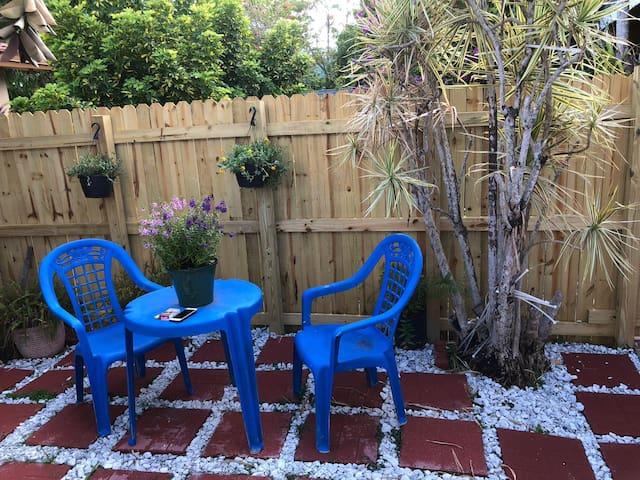 Blue Garden Studio