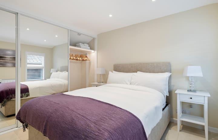 Contemporary 1-Bedroom Home near Edgware Road