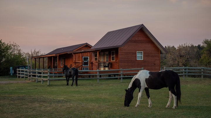 Kara Creek Ranch-Double Bed Cabin with Kitchenette
