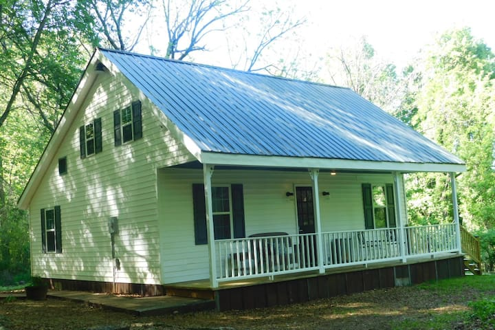 Penny's House Pre-Civil War Farmhouse!