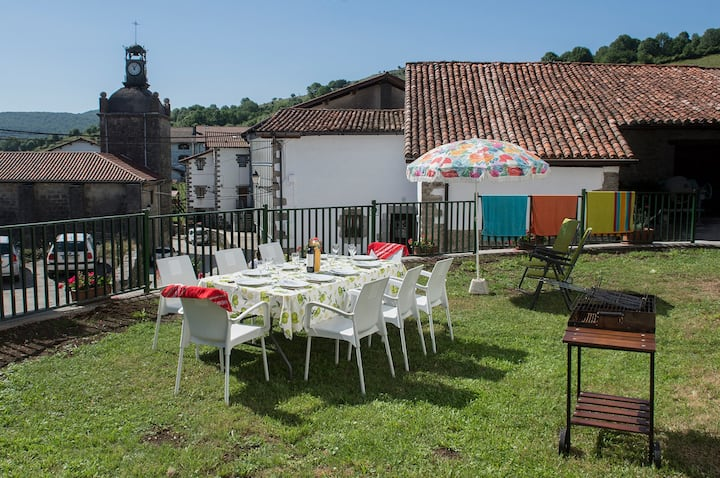 Amplia casa  5 habita  40km San Sebastian-Pamplona