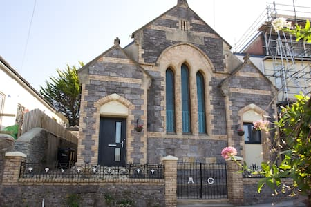 Converted Chapel (circa 1880) (sleeps 6-8) - Torbay