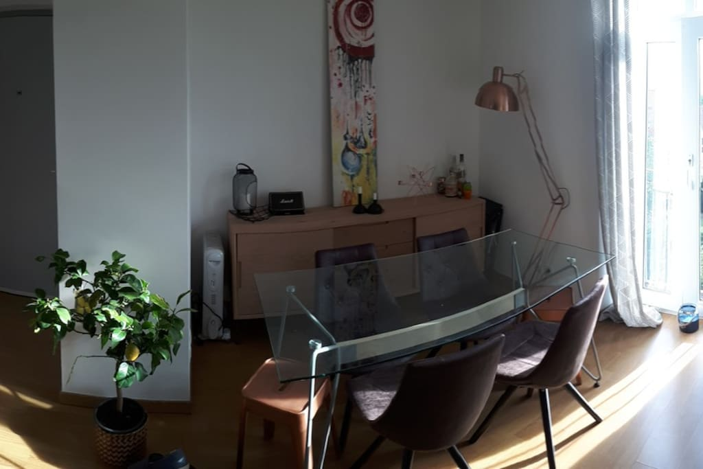 Panorama salle à manger / entrée / cuisine