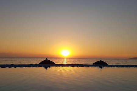 Relaxing, Romantic & Modern Beach front Condo - Nuevo Vallarta - Wohnung