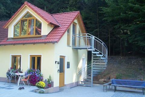 BuB lejlighed i udendørs natur i nærheden af Bayreuth