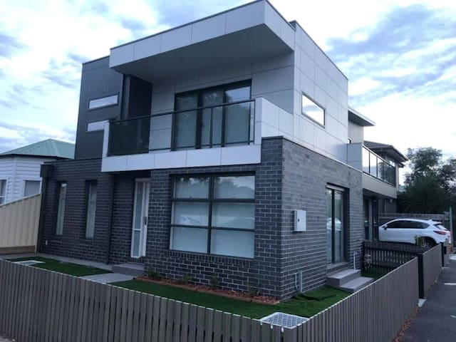 Brand new Yarraville Home - Great price