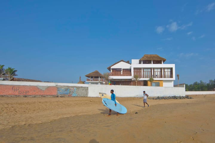 Surf Turf - deluxe room - Kovalam - Bed & Breakfast