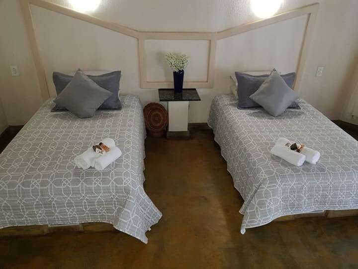 Shingalana Guest House - Triple Bedroom