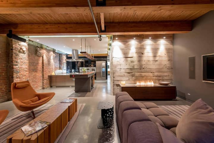 Epitome of Loft Living in Yaletown