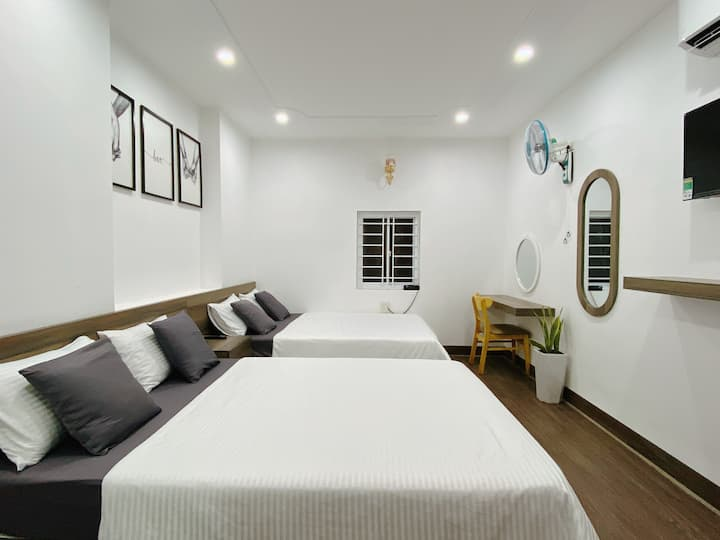 Valas Hotel - Double Bed Room in Quy Nhon Center