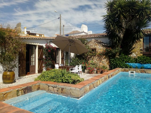 Corredoura's House