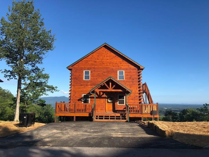 Brand New Cabin w/Surreal MTN Views-HotTub&ResPool