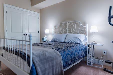 Classic and Elegant one bedroom apartment