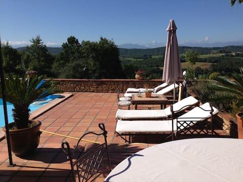 80 kms sud Toulouse, Chambre Hortensias, piscine