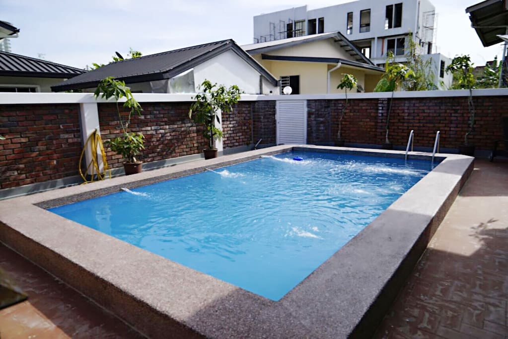 Kk Beach House W Private Swimming Pool Bungalows For Rent In Kota Kinabalu Sabah