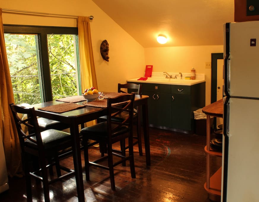 open dining room/kitchen