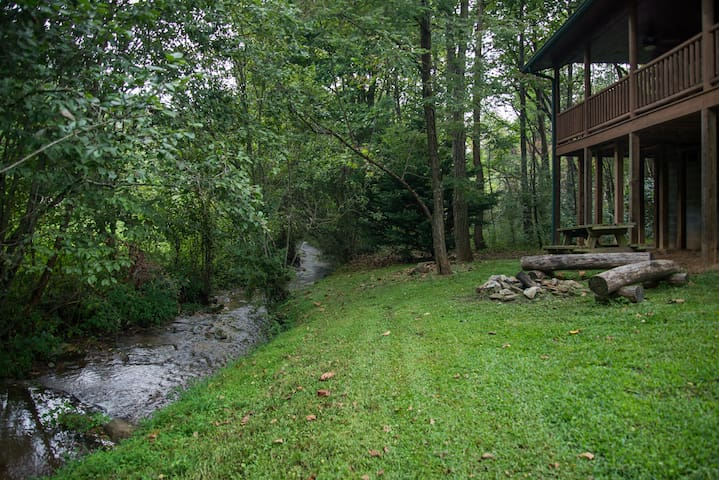 Fox Creek Waterside Cabin - Bryson City - Cabana