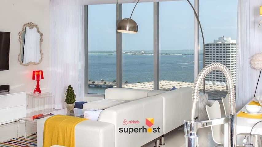 OVERLOOKING THE BAY JUST REMODELED LARGE 2/2 UNIT