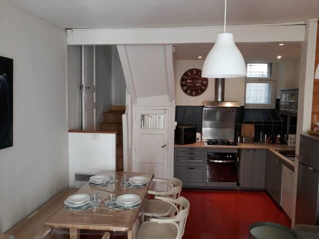 Maison chaleureuse et familiale, centre de Luchon