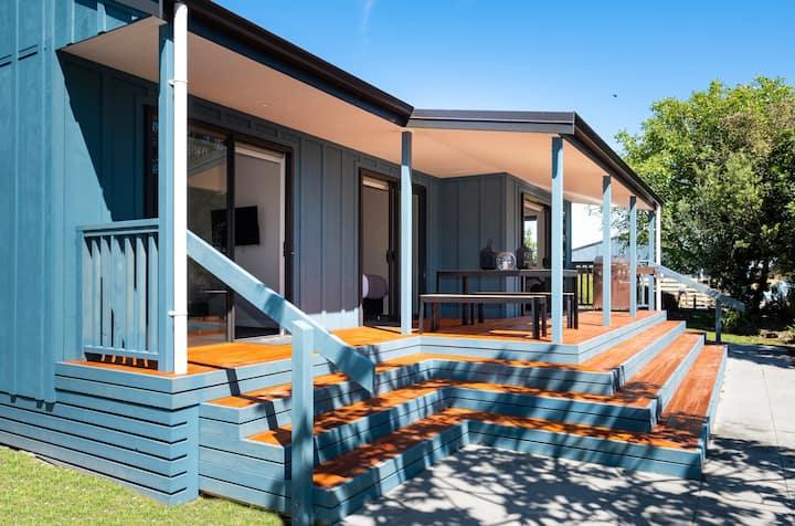 Lawn Cottages - Kowhai Cottage