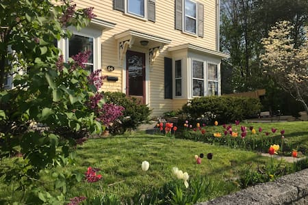 Cape Ann Guest and Retreat House-Gloucester Room