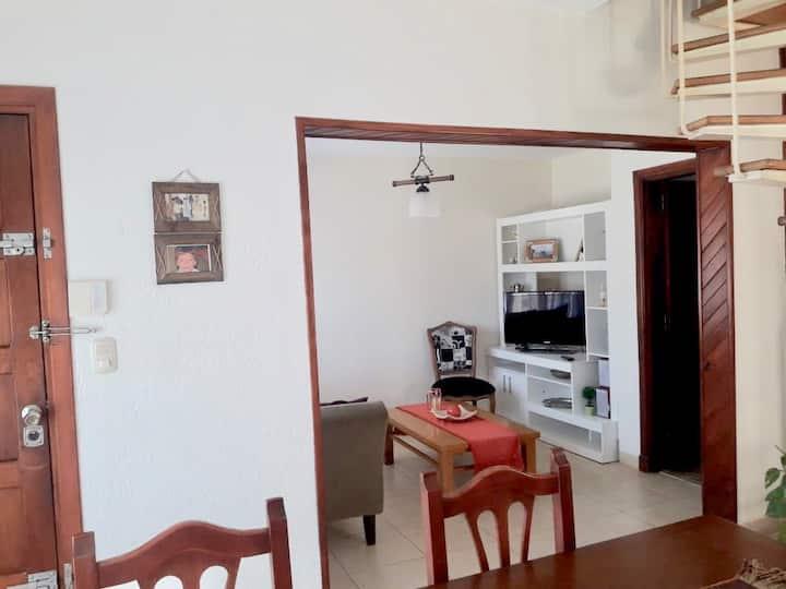 Casa impecable tres ambientes en necochea