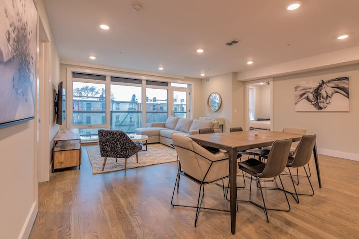 Stunning 2 BR Loft w/ Balcony near Grove St PATH