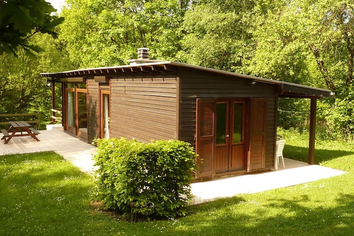 Cozy Chalet in Trois Ponts with Forest Nearby