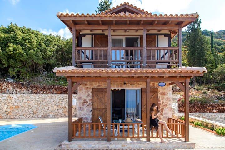 Villa Arnebia With Private Pool & Views in Lefkada