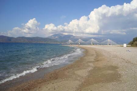 Patras: history beaches, Greek food - Hus