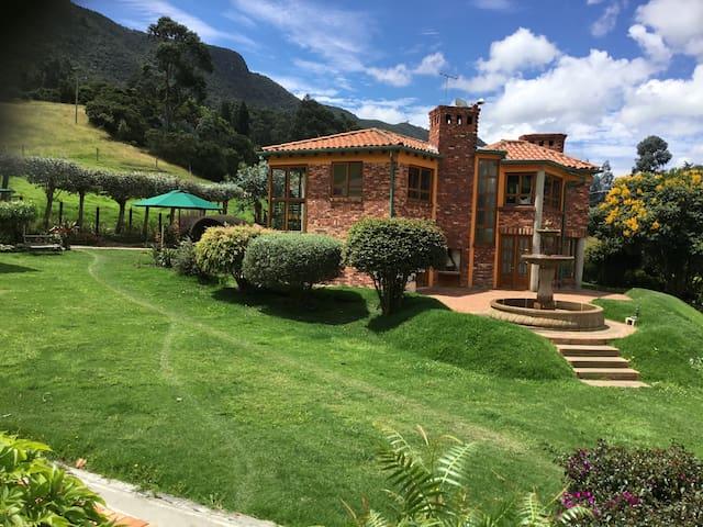 Hermosa Casa-Finca en Tenjo (Cundinamarca)