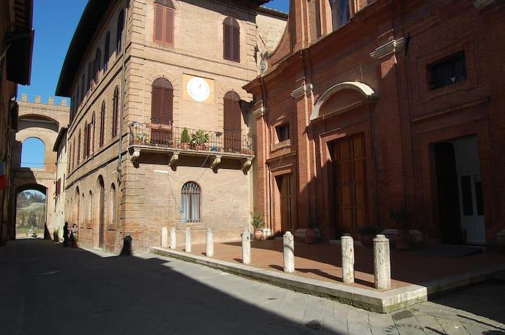 La Casina di Buonconvento: tra Siena e Montalcino