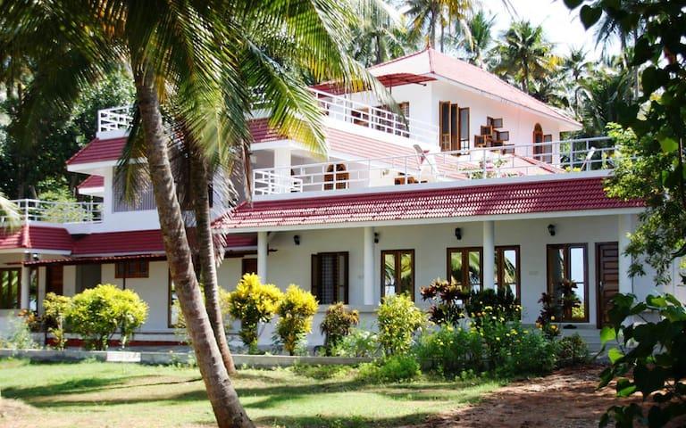Ashirvad Homestay, Ashtamudi Lake, Kollam 01
