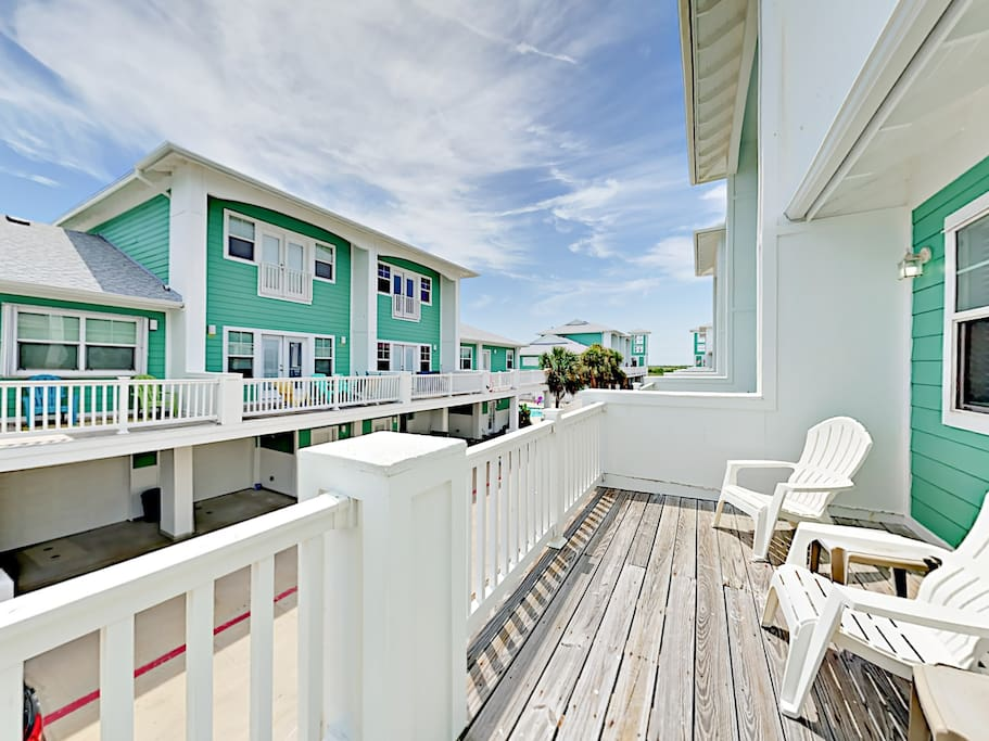 This imaginative 3BR/3.5BA Port Aransas townhome will delight your group of up to 6 guests!