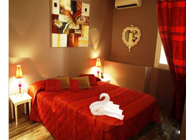 HOTEL LE ROMANESQUE chambre standard