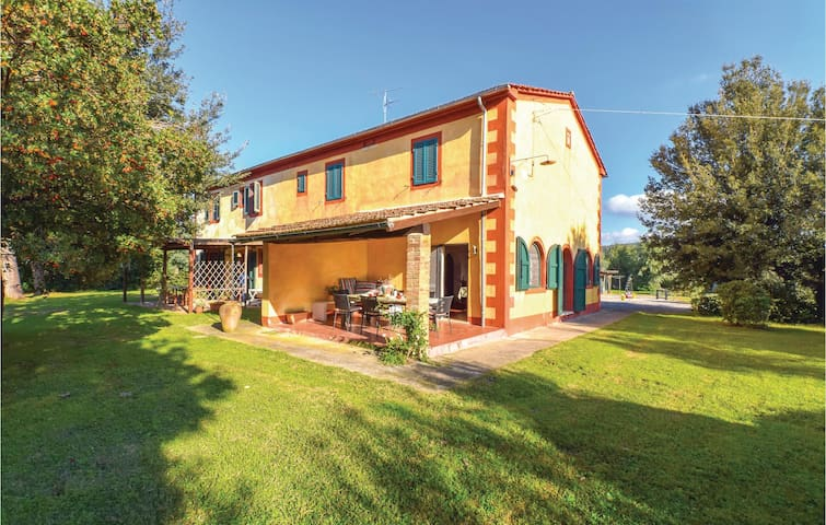 Semi-Detached with 3 bedrooms on 150m² in Braccagni -GR-