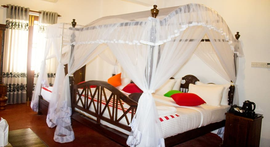 Deluxe Double Room With Free Airport/Drop