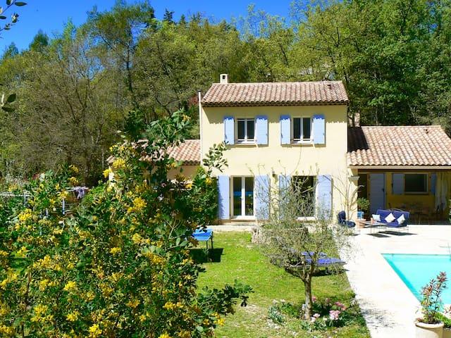 Villa 4ch, 8 pers+ PISCINE, chevaux, NATURE, CALME - Bagnols-en-Forêt - วิลล่า