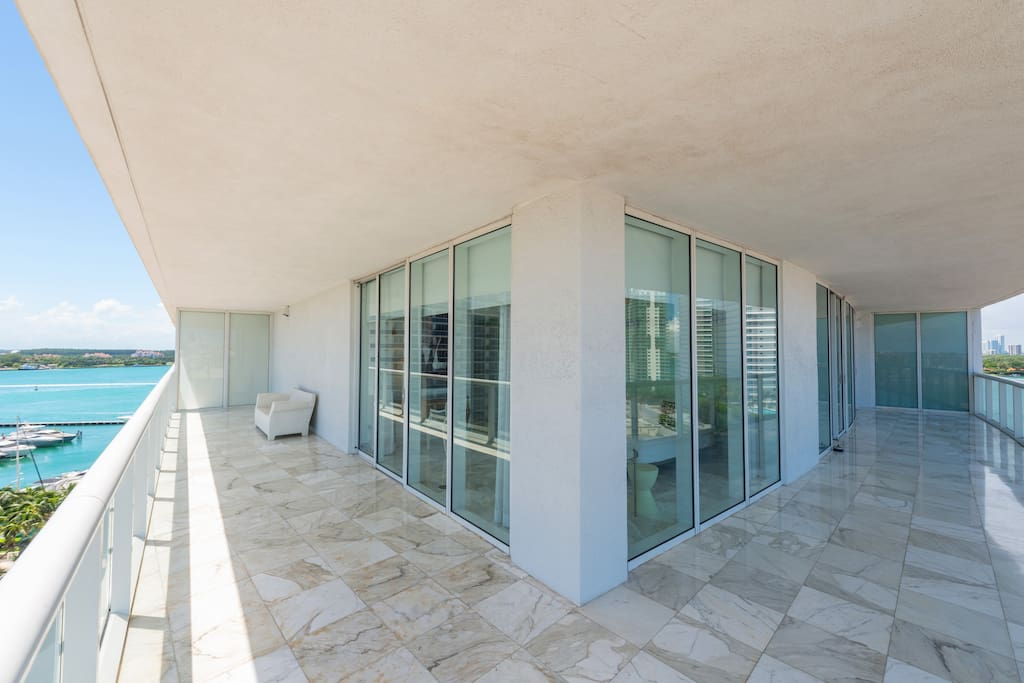 Luxurious 2 Bedrooms Full Service Apartments For Rent In Miami Beach Florida United States