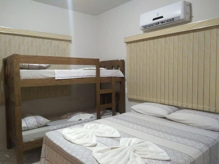 Quarto suite proximo  UFU Santa Mônica.