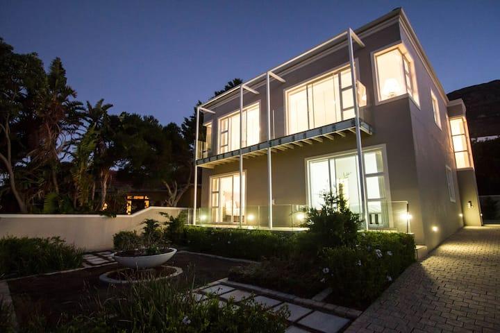 BayBlu Beachfront House Seaforth Cape Town