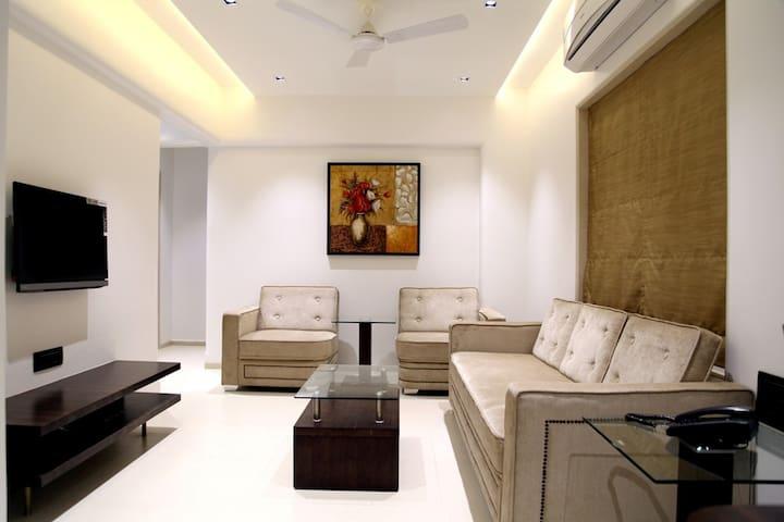 Stylish 1-Bed Apartment near Airport, Mumbai
