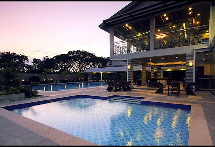 1BR, Pacific Coast Residences, Las Pinas City, BF - Las Pinas - Apartment