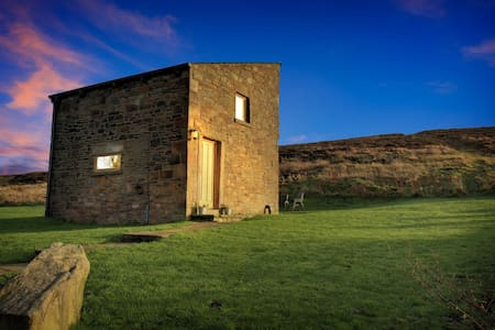 Hayfield View ChickenBarn: High Peak self catering