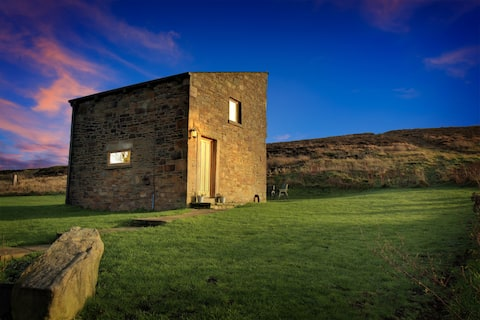 Hayfield  ChickenBarn: High Peak self catering