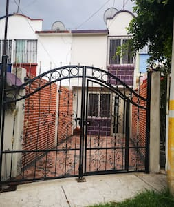 Casa en Privada con vigilancia en Coacalco