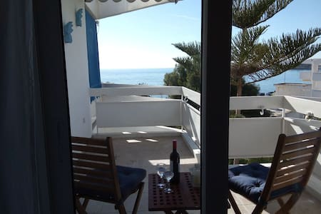 Sea front studio at the Athenian Riviera! (Voula)