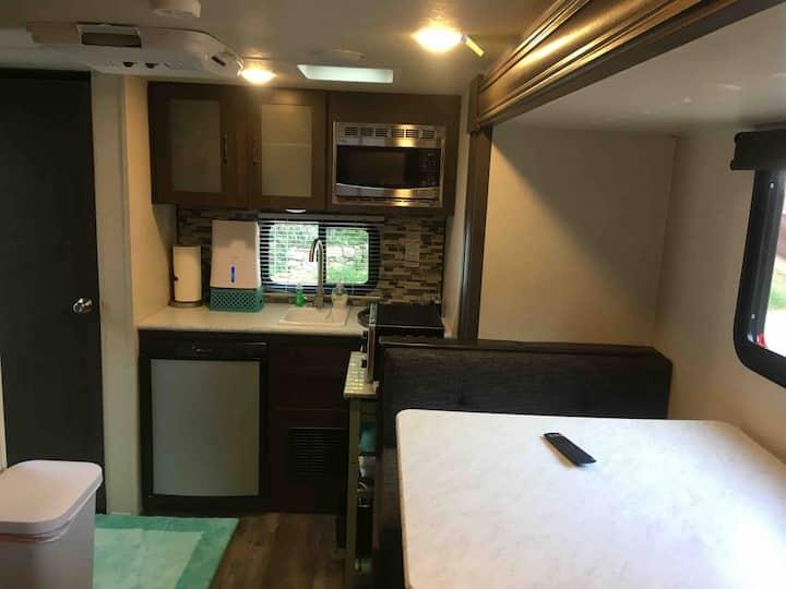 Cameron Park cozy private RV, walk to Downtown!