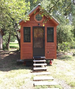 Tiny Cabin in Hill Country - Austin - Cabin
