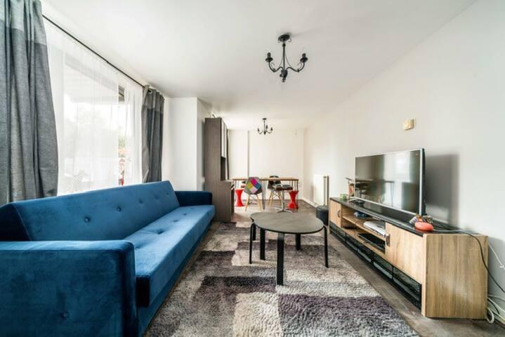 Amazing 2 Bed Apartment Near Mark Street Gardens